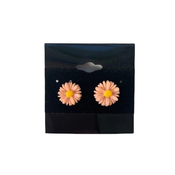 Jewelry - 3/$25 Pink Daisy Cute Floral Stud Earrings New